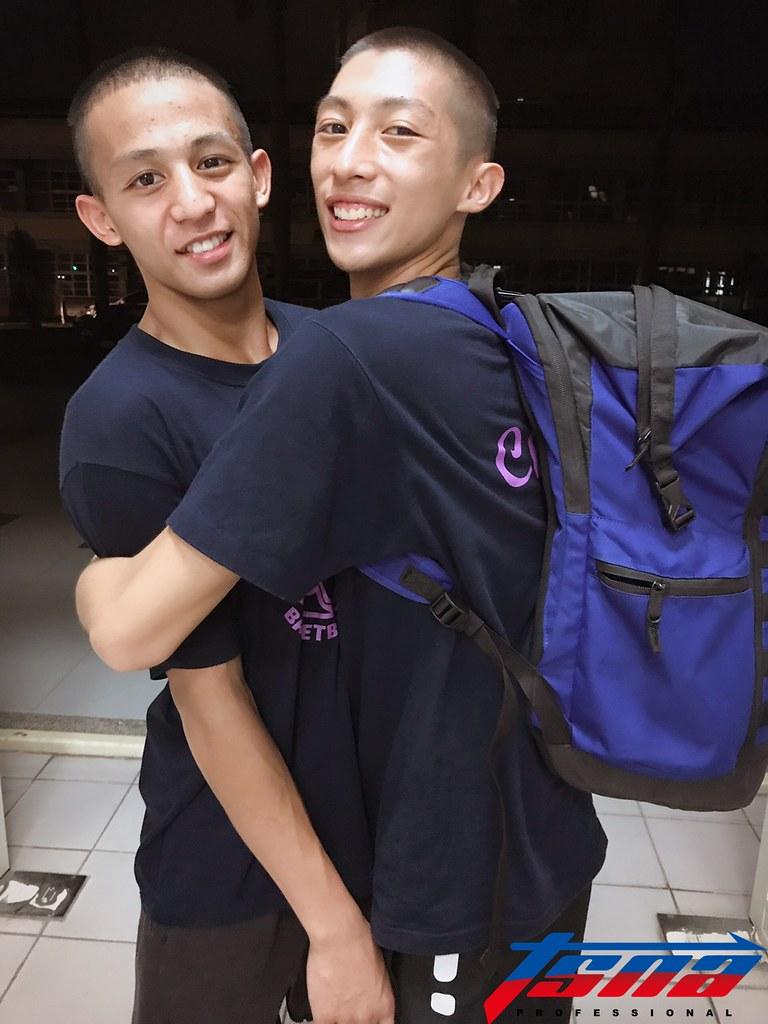 東山高中劉承彥(左)與陳緯。(鍾亞芳/攝)