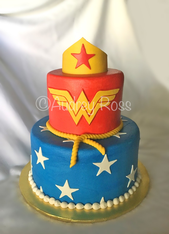 Wonder Woman Birthday Cake What Kind Of Cake Do You Order Flickr