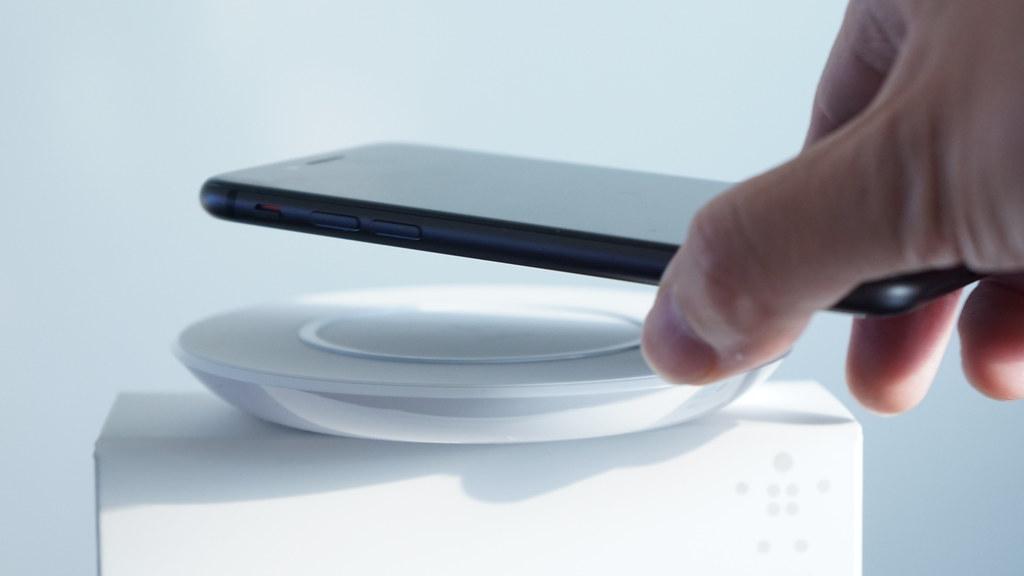 高速なワイヤレス充電は「iOS 11.2」で提供へ