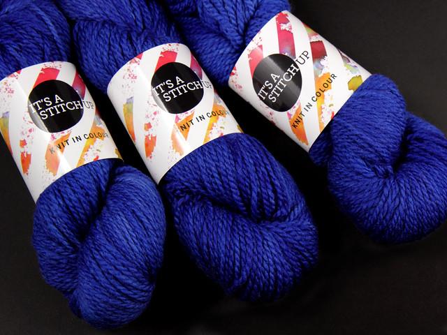 Awesome Aran – pure British superwash wool hand-dyed yarn 100g – 'Electric blue'