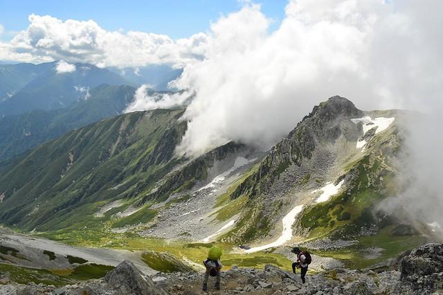 立山登山 迫りくる雲