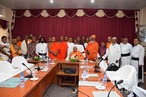 Maha Nayaka Thero of Asgiriya Chapter visits Jaffna Peninsula