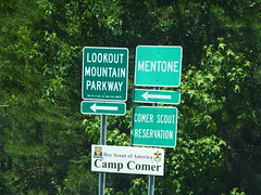 Lookout Mountain Parkway Traffic Signs