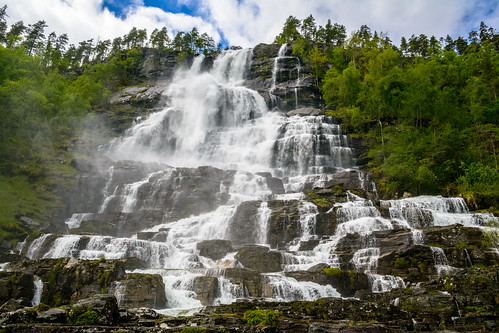 Tvindefossen, Norway | by dconvertini