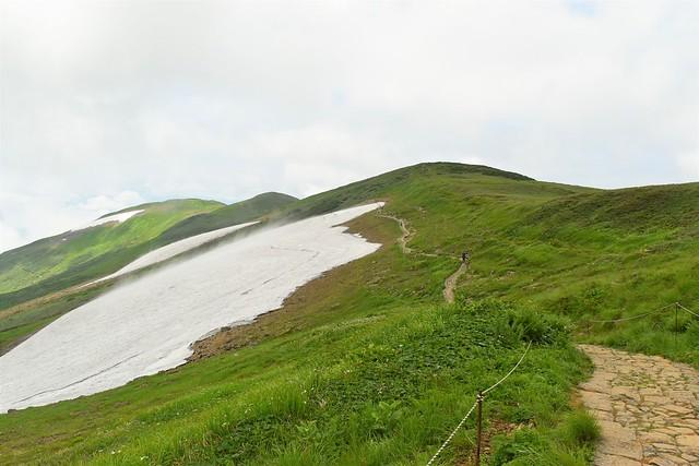 月山から姥ヶ岳への稜線