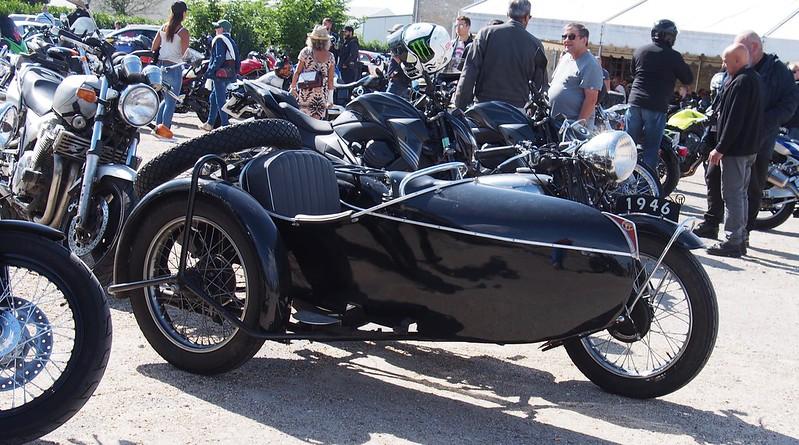 Terrot & Side Car 1946 - Cerny (91) Août 2017 36528235712_4208e8bc1f_c