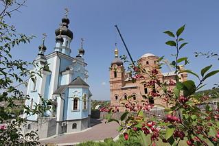 Установка куполов и крестов на соборный храм в честь Благовещения Пресвятой Богородицы. 15 августа 2013 г.