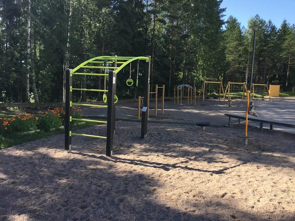 Kuva toimipisteestä: Mikkelän koulu / Ulkokuntoiluvälineet