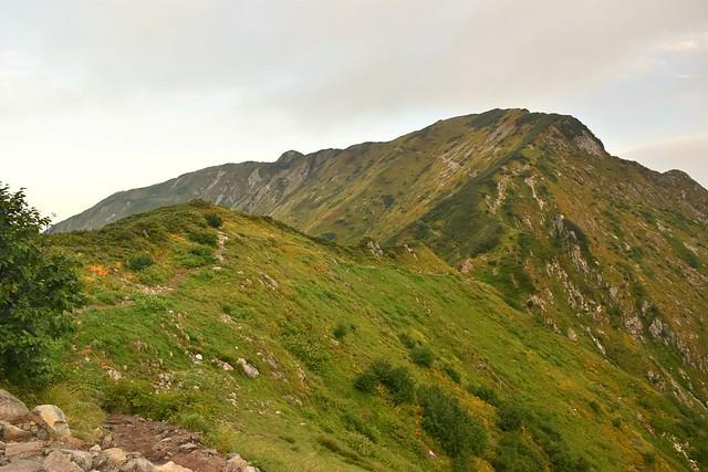 奥大日岳の稜線
