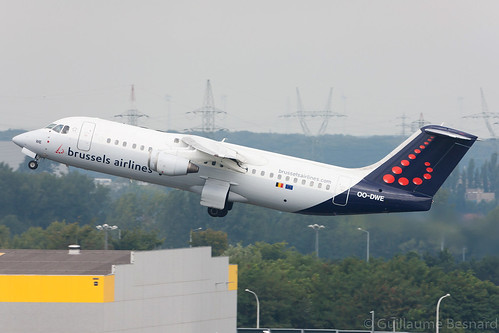 British Aerospace Avro RJ100 Brussels Airlines OO-DWE cn E3327 | by Guillaume Besnard Aviation Photography