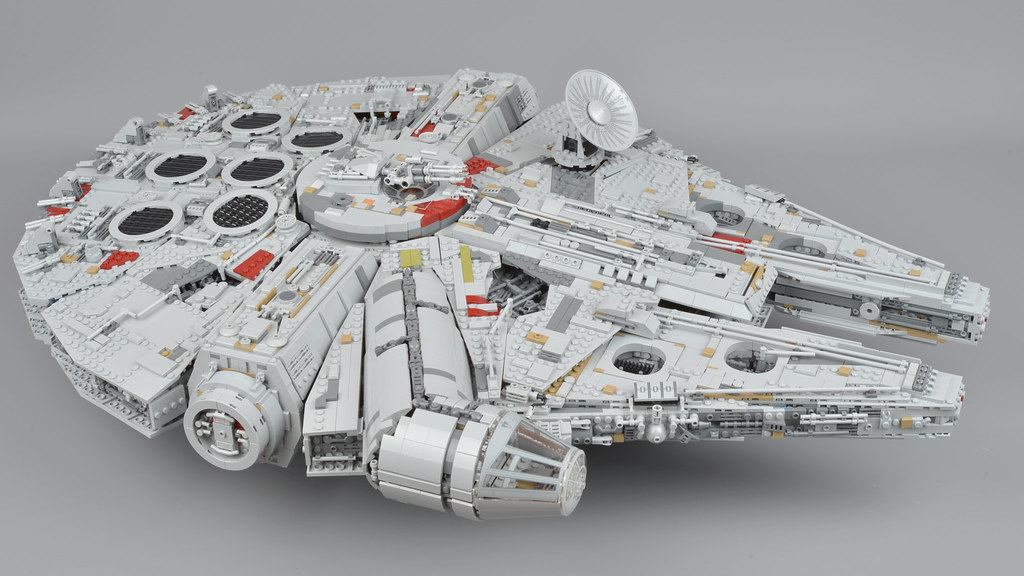 Millennium Falcon: The Completed Model | Brickset: LEGO set guide ...