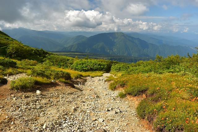 大日岳から大日平へ下山