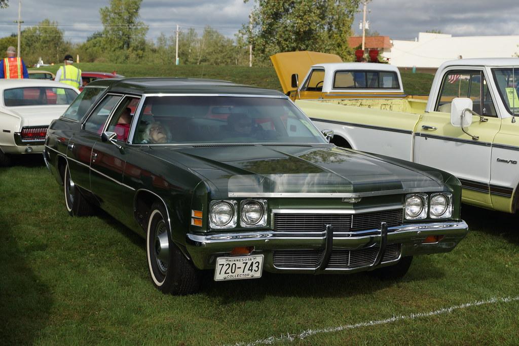 Blacksmith Lounge Car Show