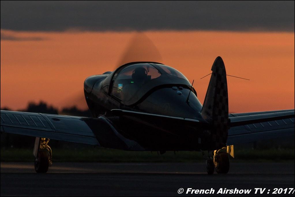 Patrouille Swift Sunset - Globe Swift CG-1B, pyrotechnique ,JPO Aurillac 2017 , Meeting Aerien Aeroclub du cantal 2017