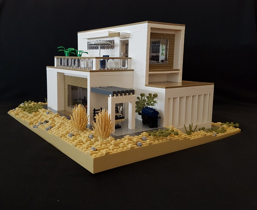 Sarah Beyer - Whitebrick Sand House