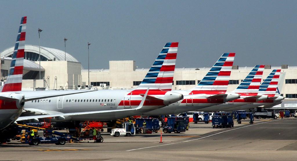 「american airlines」的圖片搜尋結果