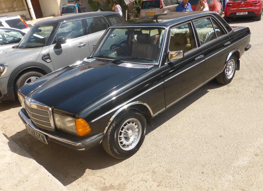 Mercedes Benz 240d W123 Nice Example Spotted In Paphos Cy Flickr