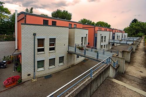 Foyer Au Grand Lancy : Genève immeubles chemin du gué au grand lancy curieux