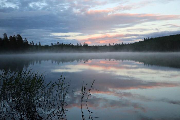ilta järvellä