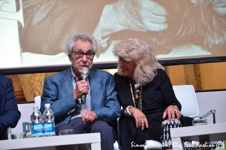 Elliott Erwitt e Biba Giacchetti na conferença de imprensa.