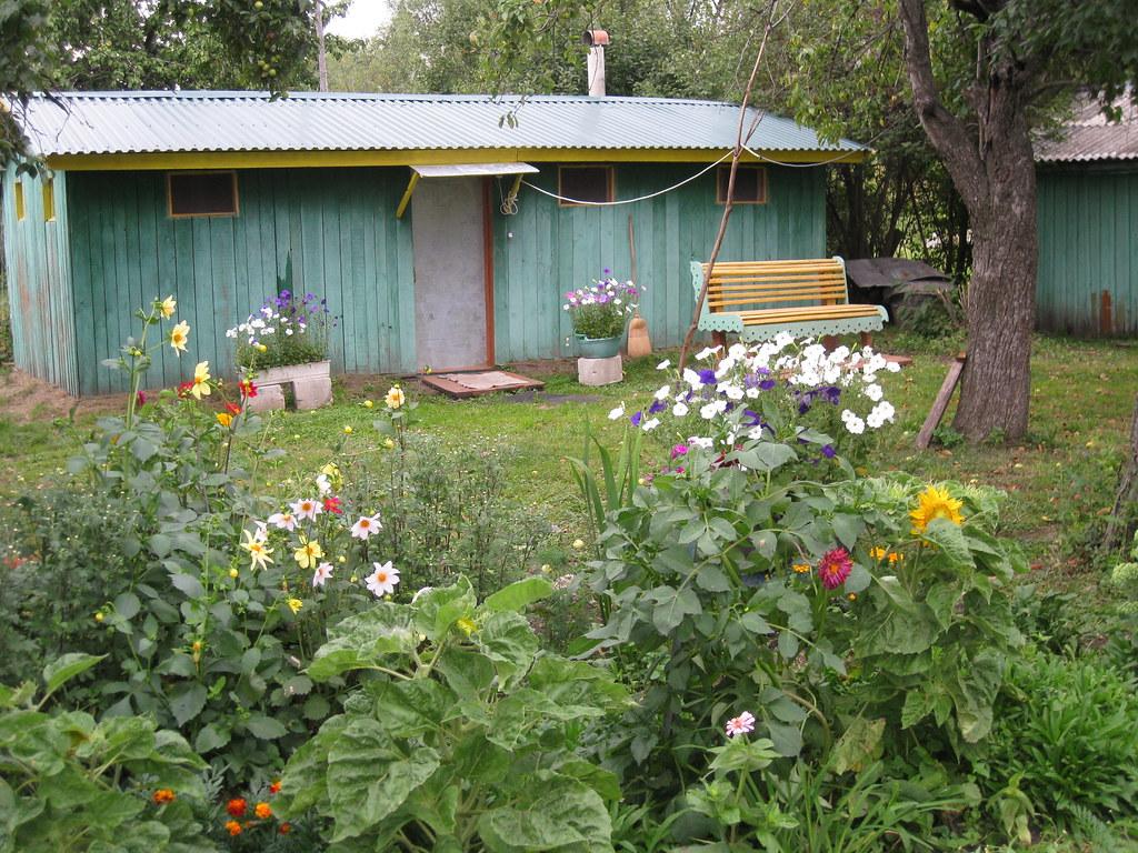 Домик в саду