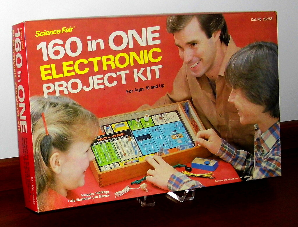 Vintage Science Fair 160 In One Electronic Project Kit By Radio Shack,  Catalog No.