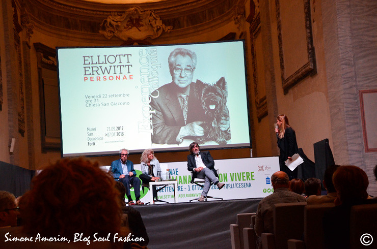 O Elliott sendo entrevistado por Roberto Cotroneo