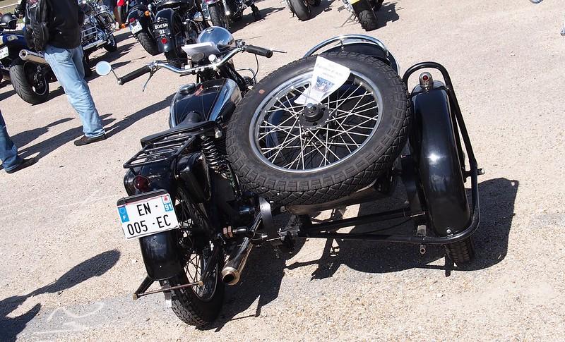 Terrot & Side Car 1946 - Cerny (91) Août 2017 36528238032_0390ba6250_c
