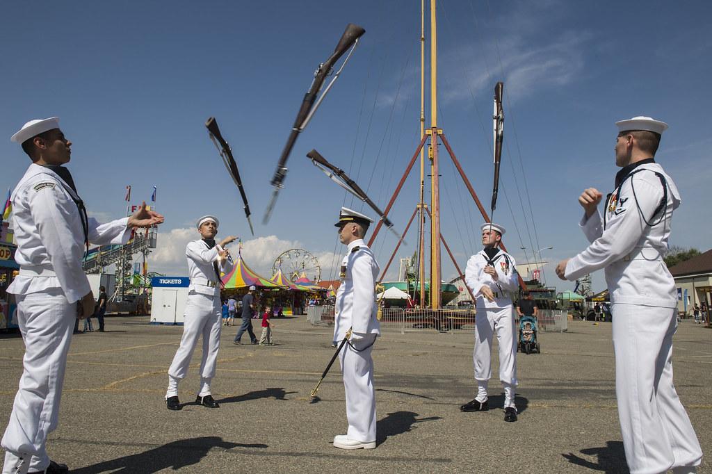 Us Navy Ceremonial Guard Drill Team Perform During Navy Flickr - Us-navy-ceremonial-guard