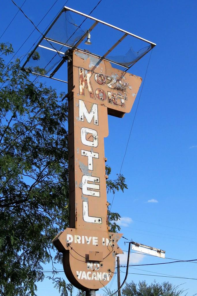 Kozy Kort Vintage Neon Bates Motel Like Closed To All Bu Flickr