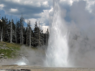 Grand Geyser eruption (4:08-4:20 PM, 31 July 2017) 1 | by James St. John