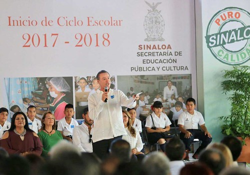 En rehabilitación 400 escuelas para una educación digna: Quirino Ordaz