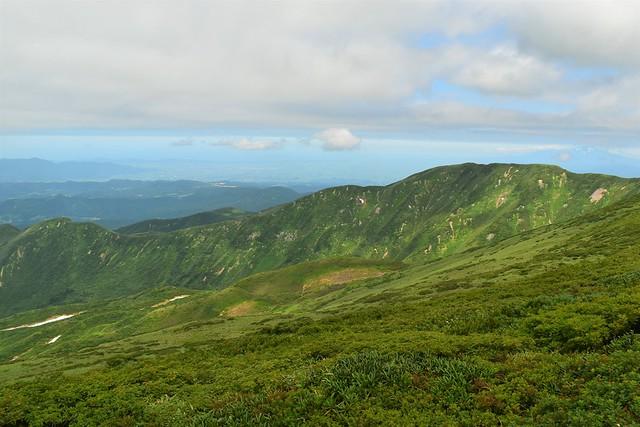 品倉山の稜線