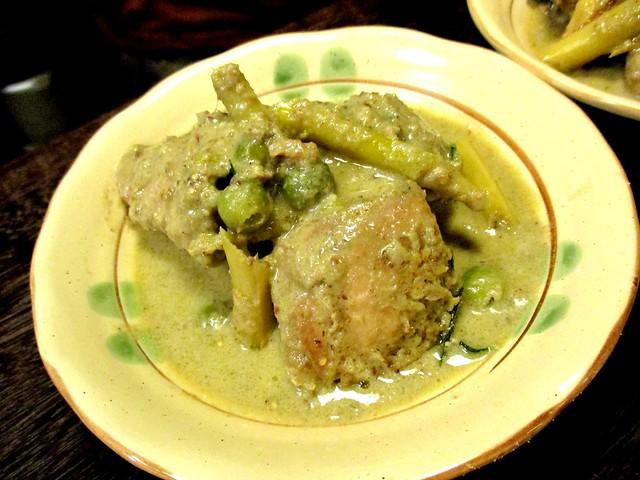 Payung green curry chicken