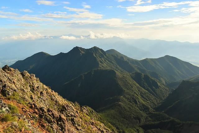 赤岳から眺める権現岳方面の展望