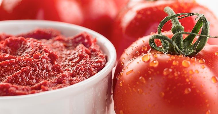 Sequestrati 10 quintali di doppio concentrato di pomodoro, il blitz dei carabinieri