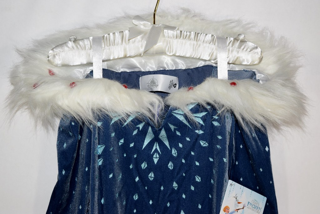 ... Elsa Deluxe Costume - Olafu0027s Frozen Adventure - Closeup Front View of Bodice | by drj1828 & Elsa Deluxe Costume - Olafu0027s Frozen Adventure - Closeup Fru2026 | Flickr