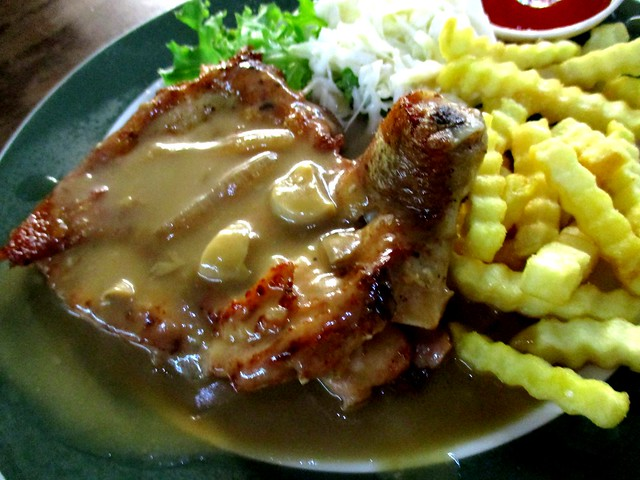 Colourful Cafe chicken chop 2