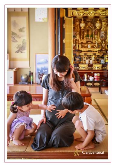 家族写真 岐阜県八百津町へ出張撮影 マタニティフォト 結婚記念日の夫婦写真 田舎 山 緑 夏休み 自然な おしゃれ 人気 おすすめ