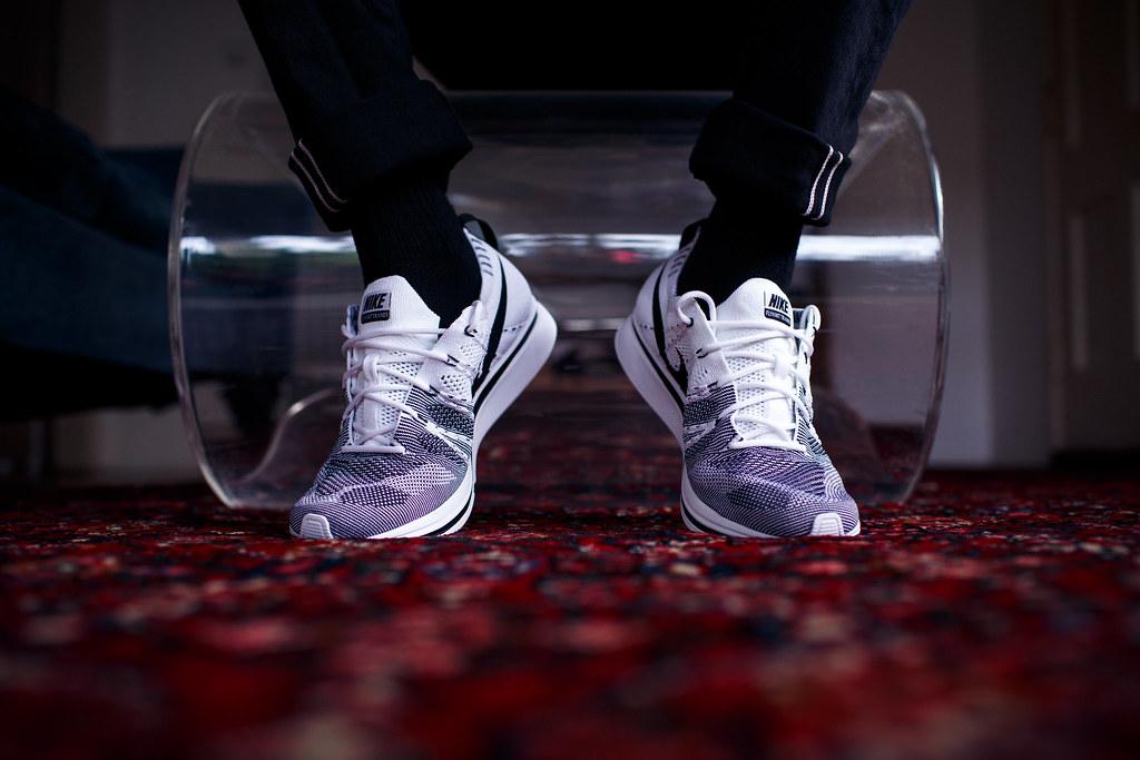 Whiteblack Nike Flickr Feet On 2017 Airjordanjack Trainer Flyknit tRwHxxSq