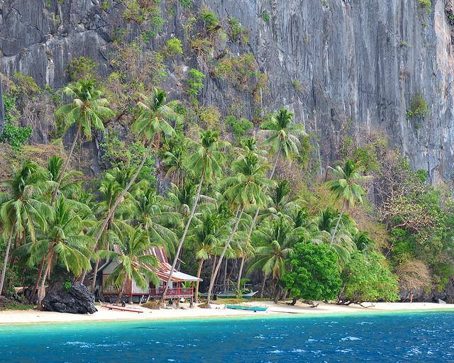 Casitas solitarias donde dormir en una isla desierta de Filipinas