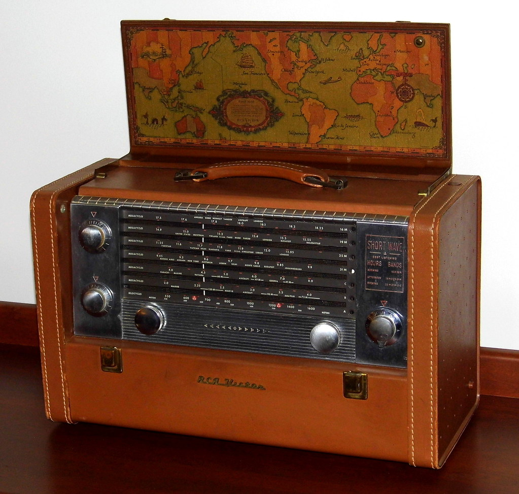 Auctions In Ohio >> Vintage RCA Victor Strato-World Portable Radio, Model 3-BX… | Flickr