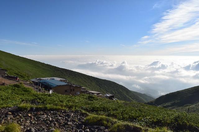 雲海を望む硫黄岳山荘