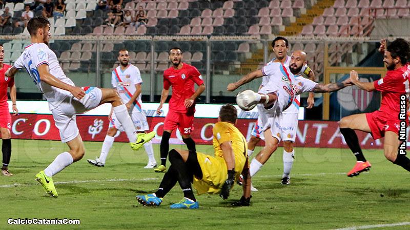 Ciccio Ripa in gol in coppa contro l'Akragas. Il numero 9 cerca ancora il primo sigillo in campionato