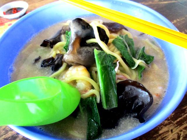 Seafood noodles 1