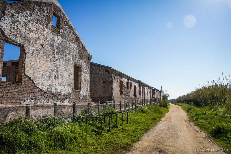 Caserna dels Carrabiners del Prat