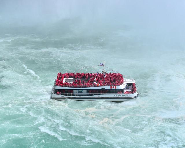 El Hornblower visto desde arriba en cataratas del Niagara