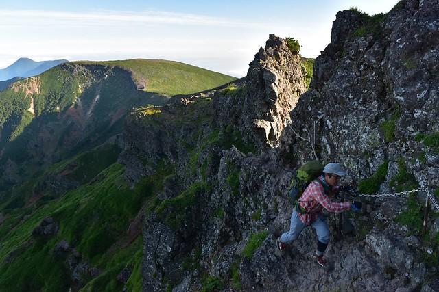 横岳山頂直下の鎖場