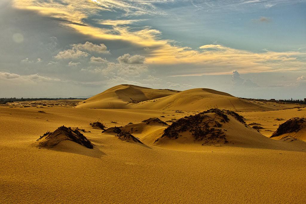Cồn cát Quang Phú vào buổi trưa
