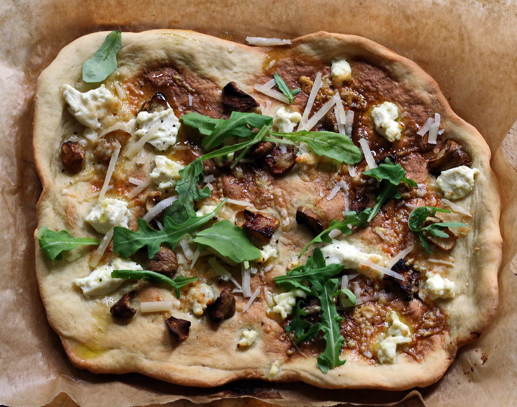 Roast Jerusalem artichoke pizza on paper